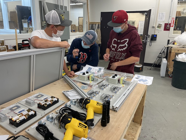 students in the innovation center